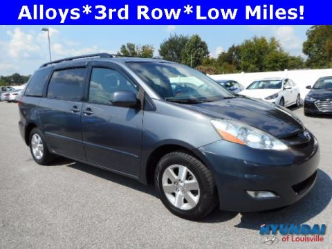 Pre-Owned 2008 Toyota Sienna XLE FWD 4D Passenger Van